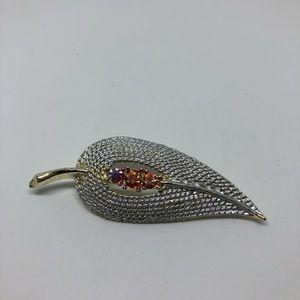 CLEARANCE - Vintage leaf brooch